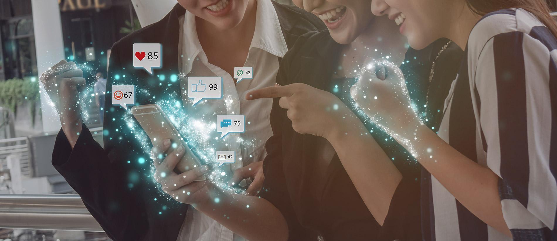 Social-Media-Girls_AdobeStock_245296048